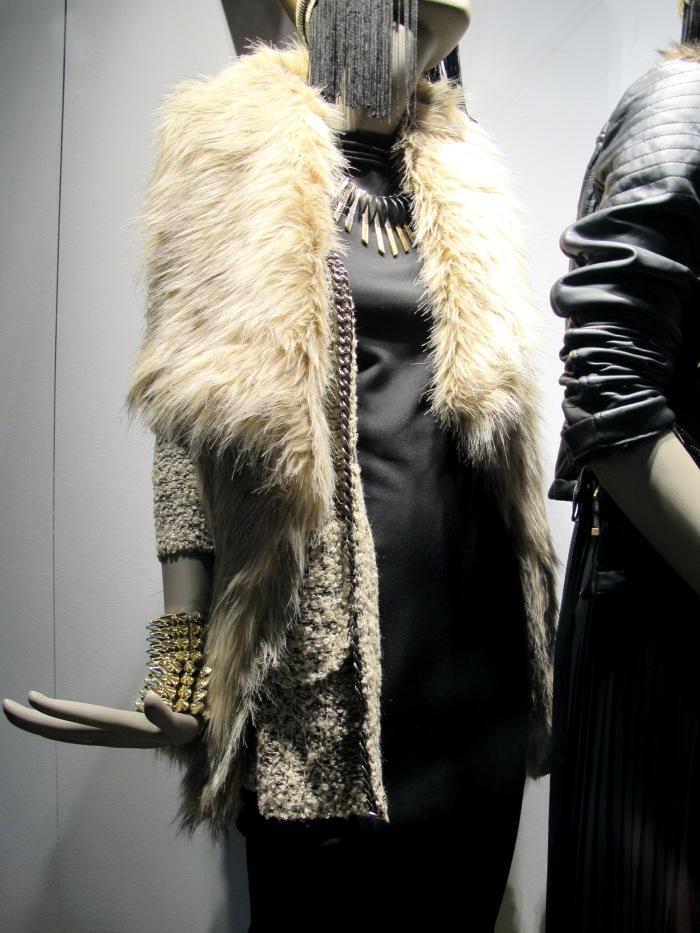 Peles (fake, por favor!) são quentinhas e a cara do inverno