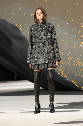 chanel-fall-winter-2013-14-ready-to-wear-looks-03