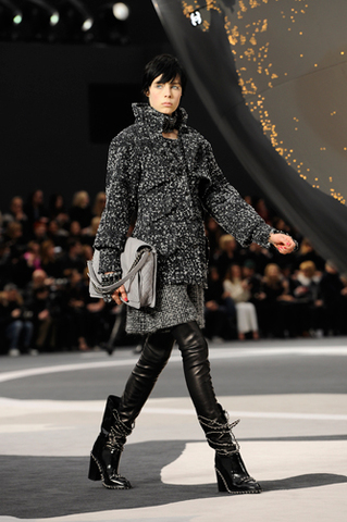 chanel-fall-winter-2013-14-ready-to-wear-looks-04 (1)