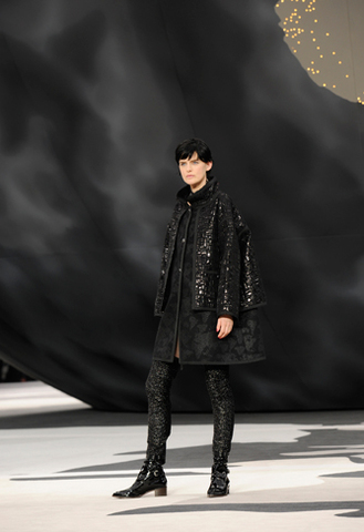 chanel-fall-winter-2013-14-ready-to-wear-looks-05