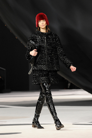 chanel-fall-winter-2013-14-ready-to-wear-looks-06