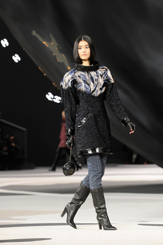 chanel-fall-winter-2013-14-ready-to-wear-looks-07