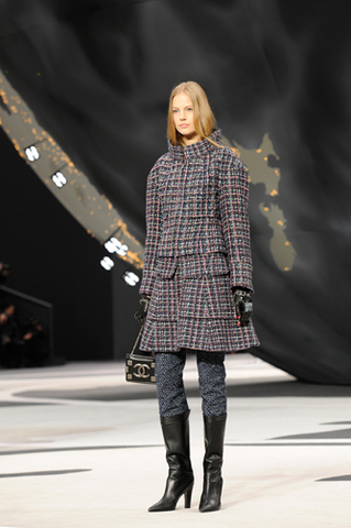 chanel-fall-winter-2013-14-ready-to-wear-looks-09