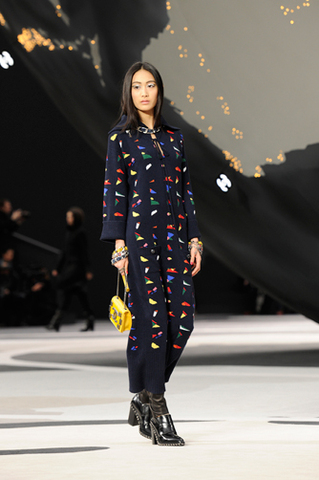 chanel-fall-winter-2013-14-ready-to-wear-looks-11