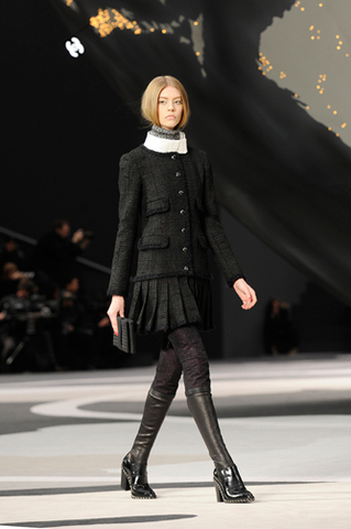 chanel-fall-winter-2013-14-ready-to-wear-looks-12