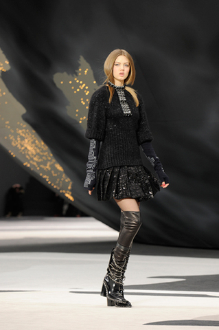 chanel-fall-winter-2013-14-ready-to-wear-looks-18