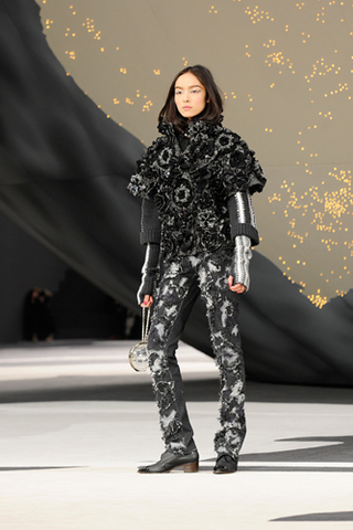 chanel-fall-winter-2013-14-ready-to-wear-looks-20