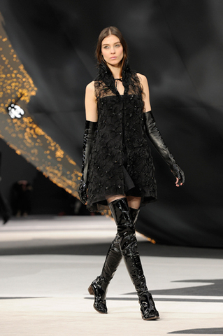 chanel-fall-winter-2013-14-ready-to-wear-looks-21