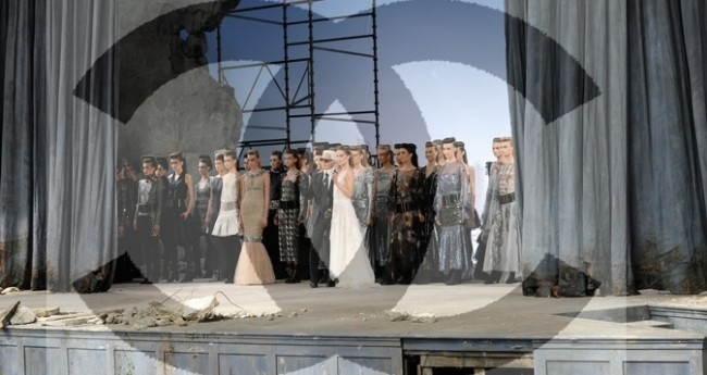 chanel-fall-winter-2013-14-haute-couture-show-pictures-21