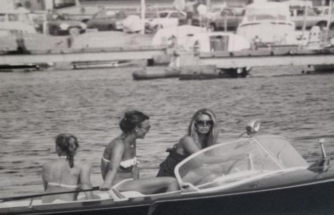 Em 1956 fori lançado o primeiro filme de Brigitte Bardot, quando Tahiti ainda era menos habitada