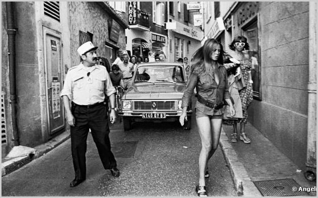 Antiga vila de pescadores, a cidade ganhou fama na década de 60, quando Brigitte Bardot se mudou para Saint Tropez, trazendo consigo seus fãs