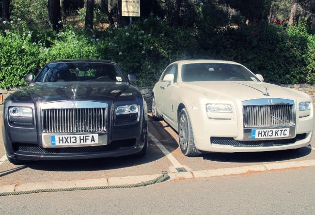 Já os maridos podem babar bastante pelos carrões que circulam pela cidade, como Rolls Royce