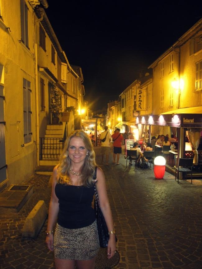 A noite passeamos sossegados e sem grandes produções por Sainte Maxime, uma praia cheia de belas ruelas e bistrôs