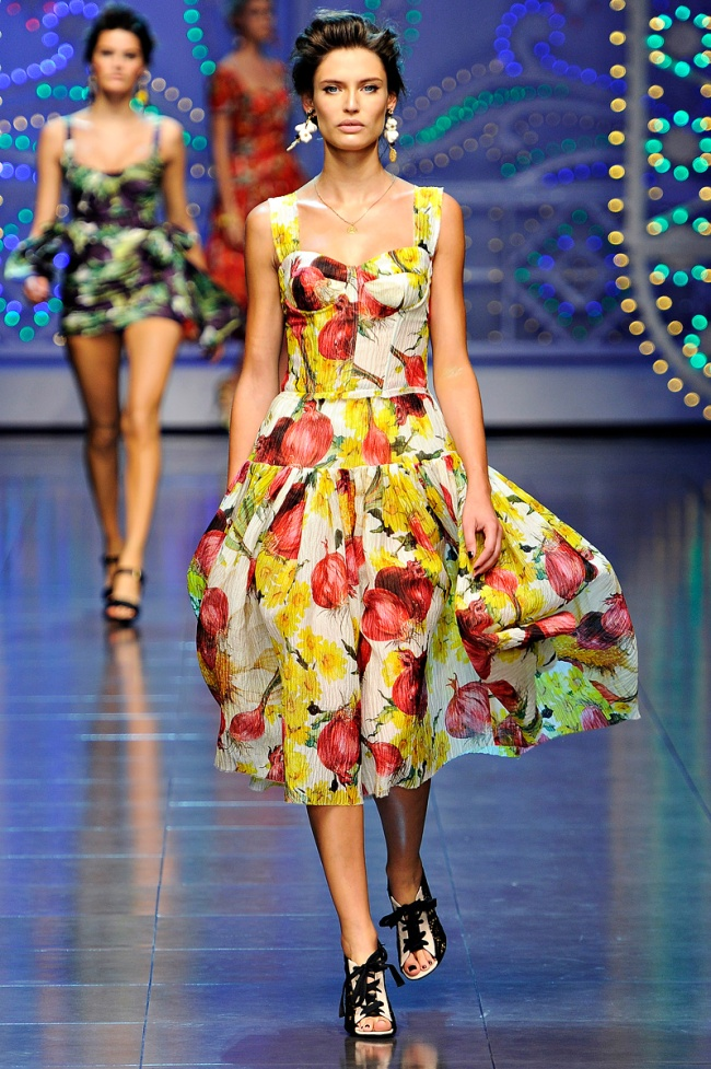dolce-gabbana-rtw-spring2012-runway-001_132924912876